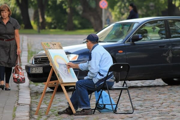 Artist in Riga old town